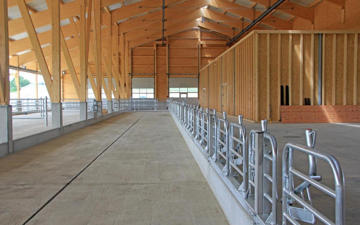 bâtiment agricole en construction